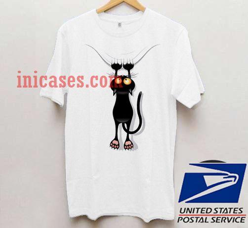 Scratching Black Cat T shirt