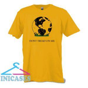Earth Gadsden Flag Don't Tread on Me T Shirt